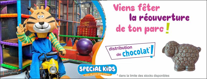 Distribution de chocolat pour fêter la réouverture  Stock limité, soyez les p